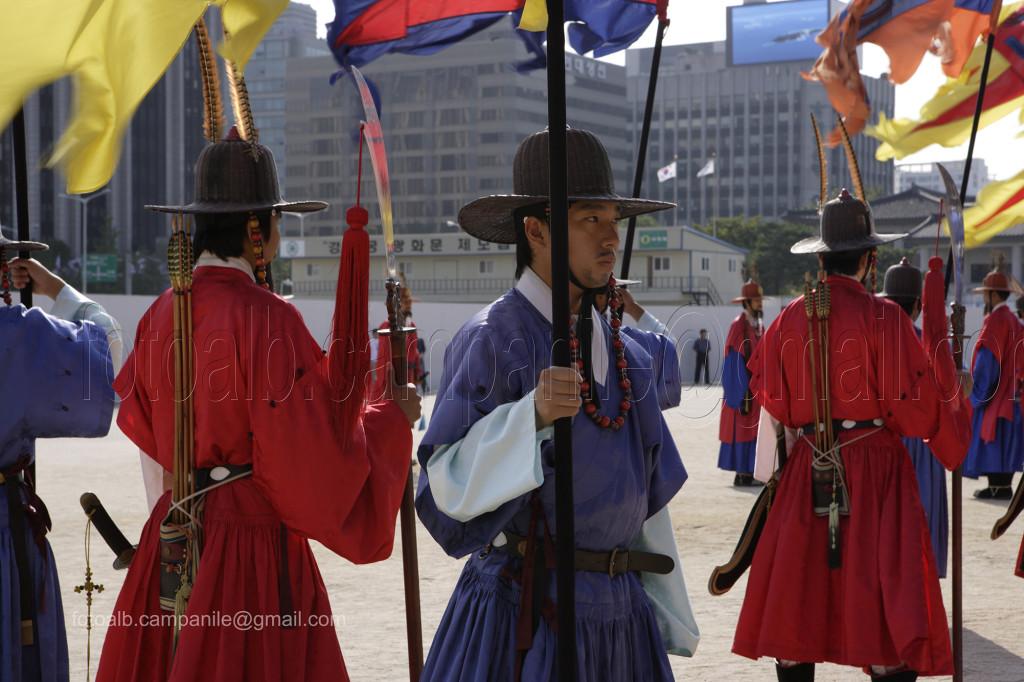 204 Corea Sud 1091CR Seoul Gyeongbok Palace palazzo reale cambio guardia - Copia