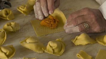 Ferrara 348 Locanda Corte Arcangeli prep tortelli zucca