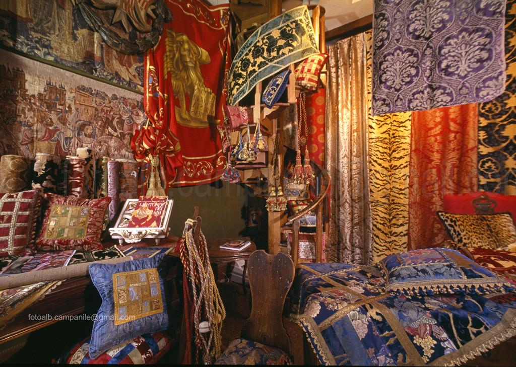 Sestiere San Marco Venezia tess 131 Mario e Paola Bevilacqua Tessuti d arte antichi e moderni