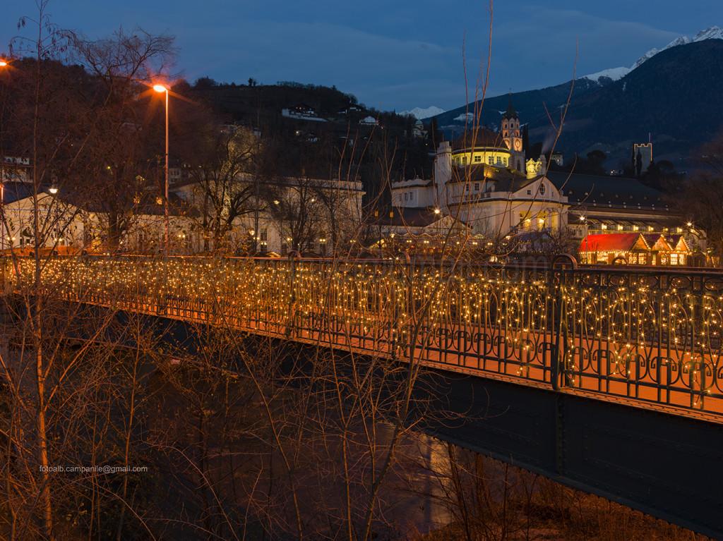 Merano 088 Merano mercatino di Natale sul Lungo Passirio