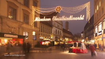 Christmas market, crib market, Munich, Bavaria, Germany, Europe Alberto Campanile Canon EOS 5D Mark II  2014-12-03 16:40:42 Alberto Campanile f/9 2sec ISO-100 24mm