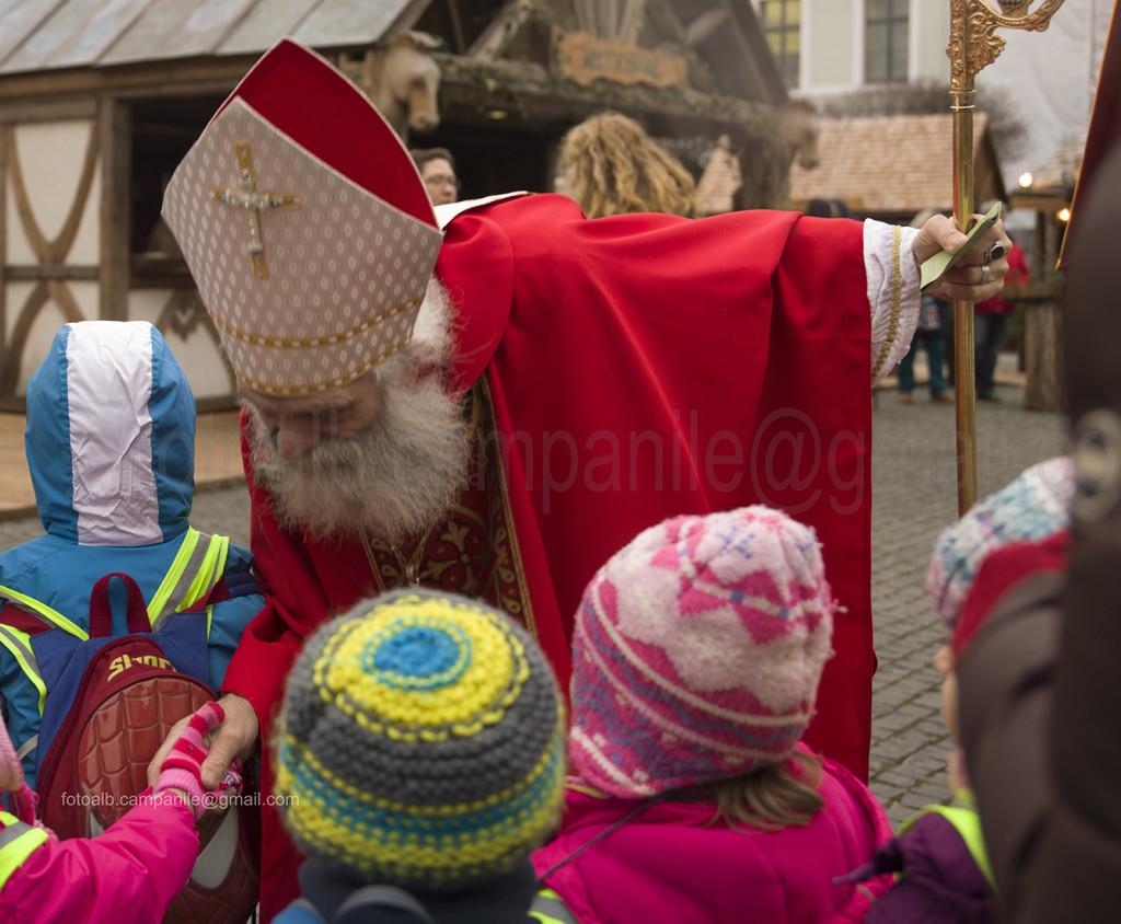 Monaco 355 CUTMercatino di Natale Medioevale St Nikolaus