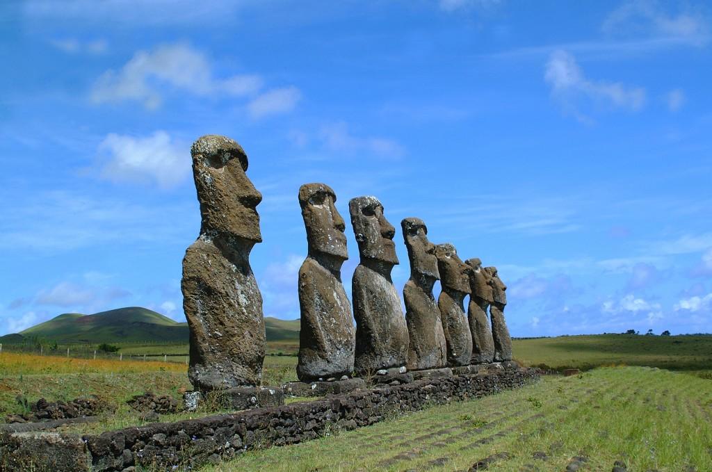 isla-de-pascua-moai-2