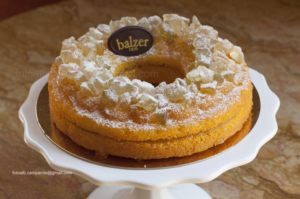 Donizzetti cake, Balzer Pastry shop, Bergamo, Lombardy, Italy, Italia; Europe