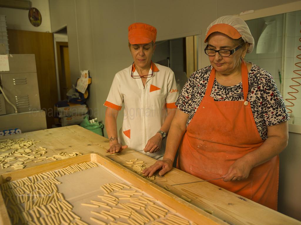 cutrofiano-0936-l-artigiana-pasta-fresca-maccheroni