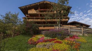 Traditional house, Alpbach, Alpbach Valley,  Austria, Tyrol, Europe Alberto Campanile Hasselblad H3D  2012-09-28 18:07:07 Alberto Campanile f/11 1/20sec ISO-50 28mm