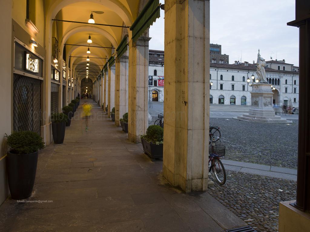 Arcades in Via delle X giornateBrescia, Lombardy, Italy, Europe