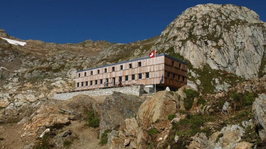La capanna Cristallina, in Valle Bedretto,