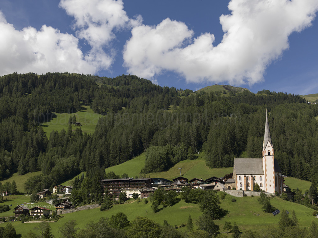 St. Vincenzo  church, Heiligenblut, Austria, Europe