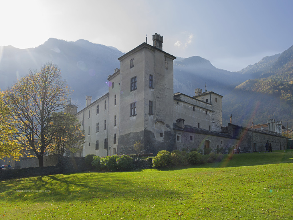 Issogne Castle, Issogne, Aosta Valley, Italy, Europe