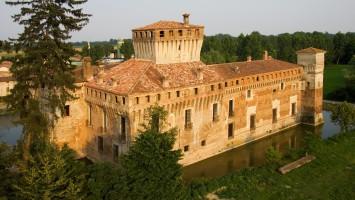 Castello-di-Padernello-Esterno-Foto-di-Virginio-Gilberti-13-compressor