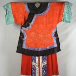 cnd1022a - Cina Qipao, abito tradizionale femminile, realizzato nella fine del 1800