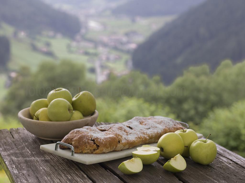 Val Sarentino 2037 Gentersberg, Messnerhof, strudel di mele